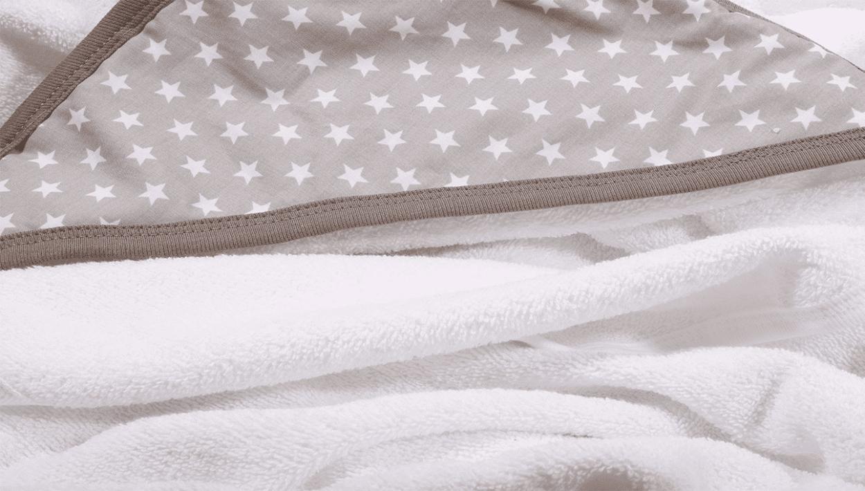 מגבת לתינוק עם כובע אפור כוכבים